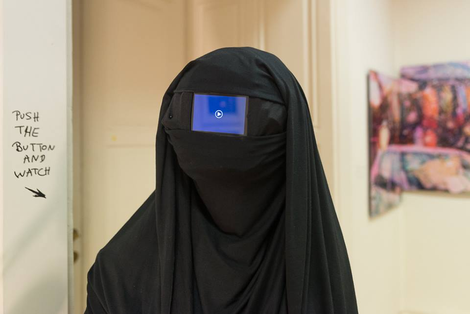Black veiled woman von Kamikatse und Kris Kind